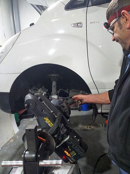 endeavour-brake-specialist-caringbah